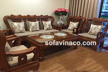Đệm ghế gỗ toát lên vẻ đẹp cho không gian sống phòng khách