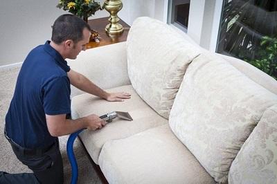 Bảo quản và vệ sinh đệm ghế vải đúng cách ngăn ngừa vải phai màu