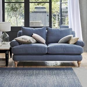 Bọc ghế sofa vải giúp không gian thêm đa dạng