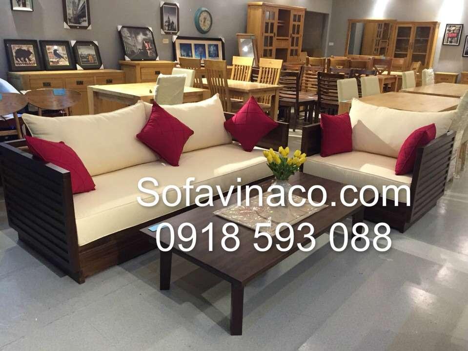 Đệm ghế sofa gỗ tại Showroom nội thất gỗ sồi ở Mỹ Đình