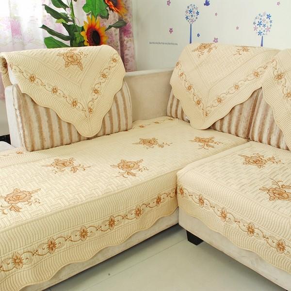 Giữ ghế sofa luôn sạch như mới bằng ga phủ ghế sofa