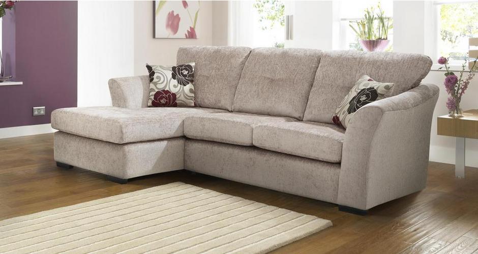 Học ngay cách chọn chất liệu bọc ghế sofa dành cho hộ gia đình nuôi chó mèo