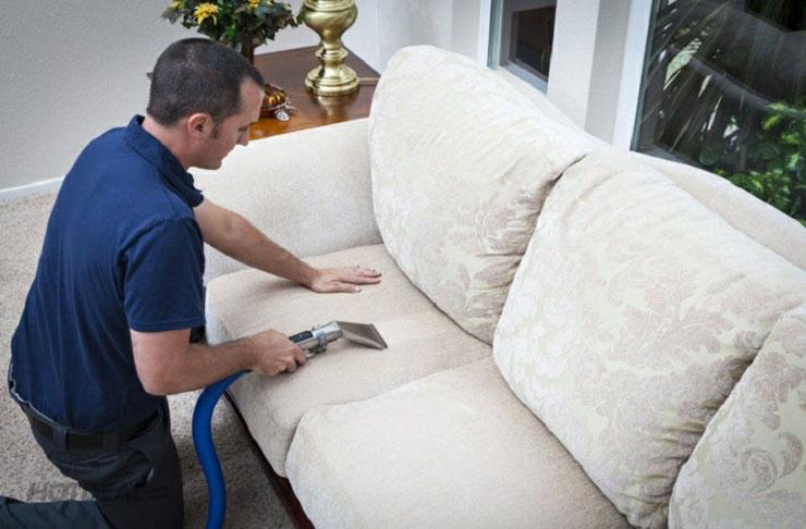 Mách bạn mẹo làm sạch cho từng loại sofa