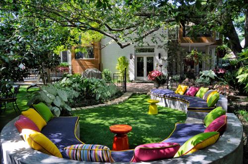 Những kiểu bọc ghế sofa ngoài trời làm sân vườn của bạn sáng bừng